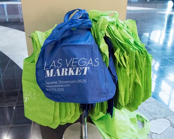 Shopping bag swag